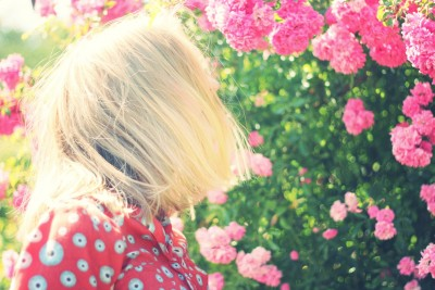 girl-925465_1920